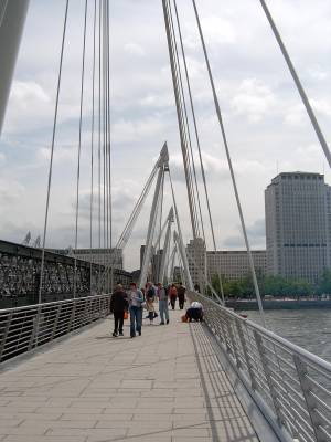 GoldenJubileeBridge