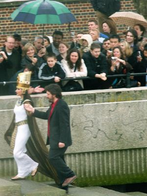 Dominic Dromgoole leads Cleopatra up the steps to Bankside