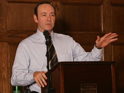 Kevin Spacey delivers hospital arts lecture