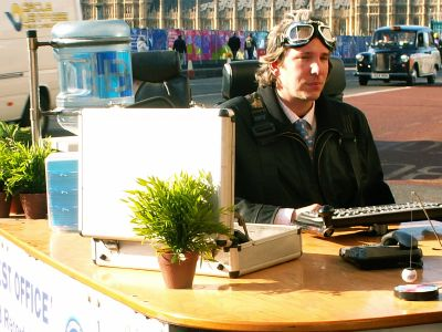 World's fastest office comes to Westminster Bridge