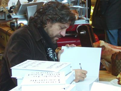 Giorgio Locatelli booksigning in Borough Market