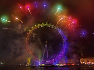 Thousands crowd riverside for New Year fireworks at the London Eye