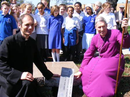 Fr Andrew Dodd and the Bishop of Woolwich