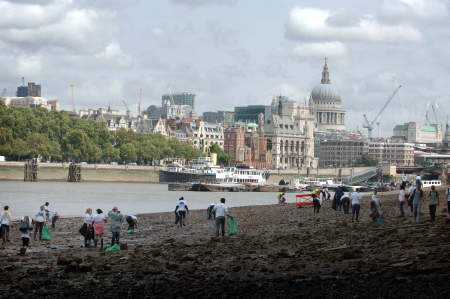 South Bank beaches cleaned up for Mayor's Thames Festival