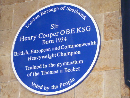 The blue plaque outside the Thomas a Becket