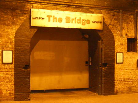 London bridge club arches