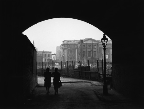 Elephant and Castle - Bert Hardy