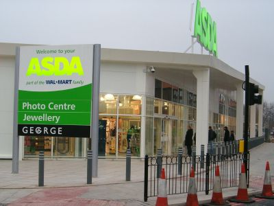 Home secretary Jacqui Smith visits Asda in Old Kent Road