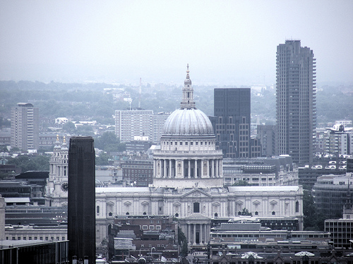 St Paul's Cathedral and Tate Modern seen from Stra