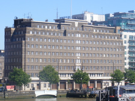 8 Albert Embankment