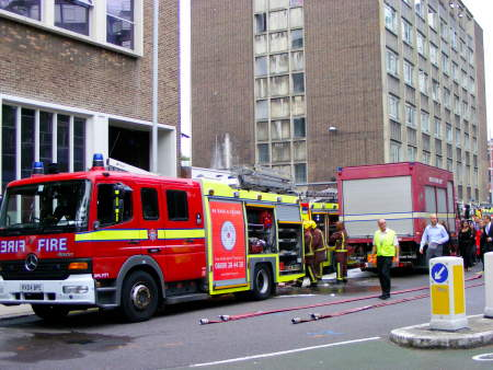Huge SE1 power cut after substation fire near Elephant & Castle