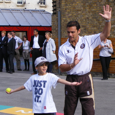 Mark Ramprakash visits Tower Bridge Primary School