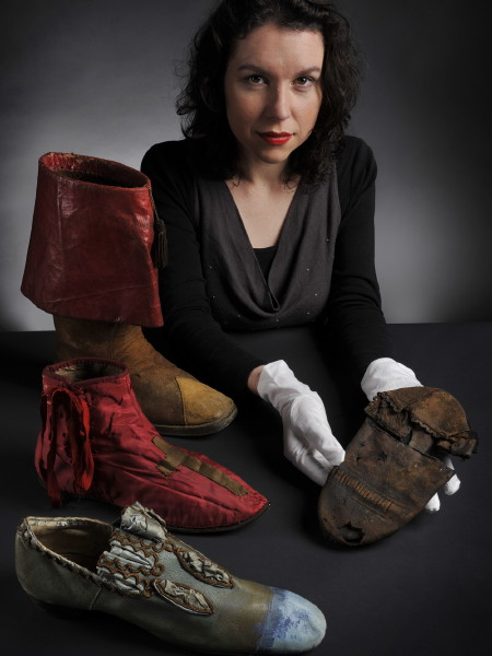 Elizabethan shoe found at Bankside's Rose Theatre goes on show
