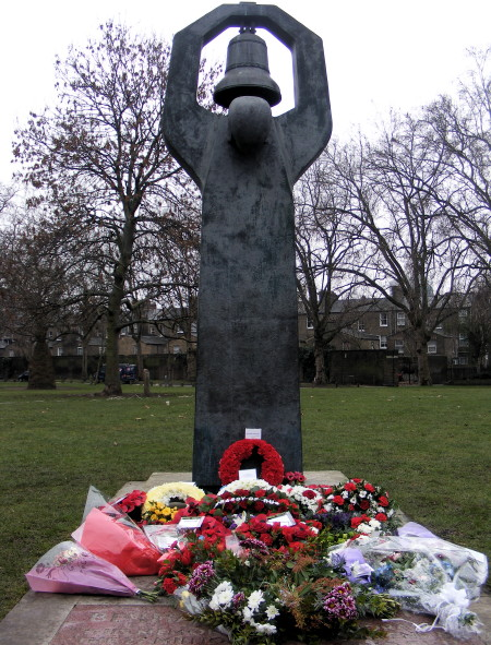 Wreaths in front of the Soviet War Memorial
