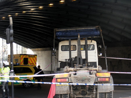 Cyclist killed in Tower Bridge Road lorry collision