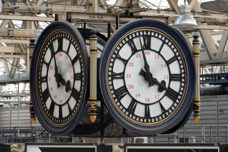 Waterloo Station's famous clock to be restored