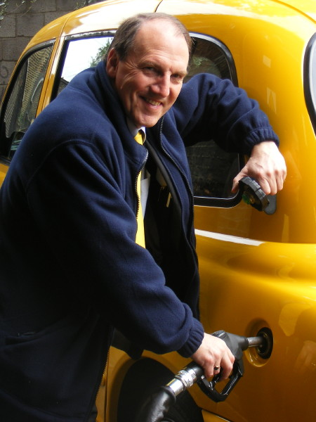 Simon Hughes unveils biodiesel taxi at Uptown Oil