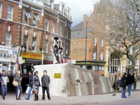 Albert McKenzie: memorial to local war hero planned for Tower Bridge Road
