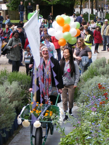 Bankside Birthday Barrows Parade celebrates local green spaces