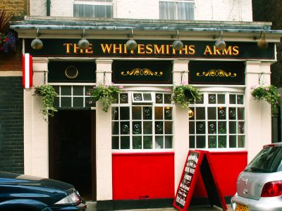 Man shot outside Whitesmiths Arms in Crosby Row