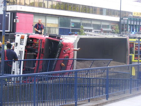 Elephant & Castle subway filled with gravel as lorry overturns