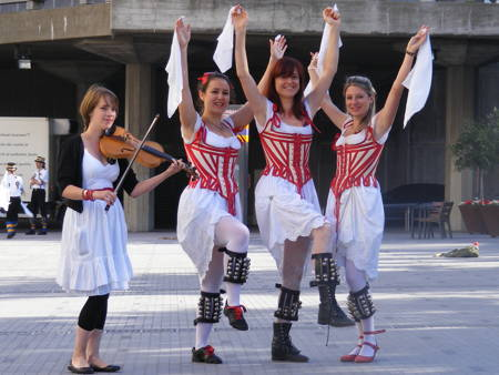 1,000 morris dancers appear on London's streets