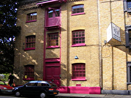 Bermondsey actor and artist on opposite sides of pink paint debate