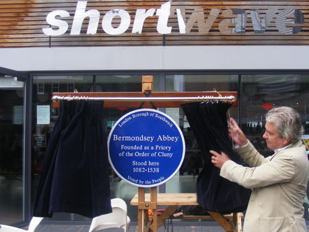 Alistair Douglas unveils the blue plaque