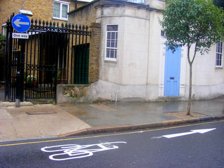 Contraflow for cyclists in Bermondsey Street