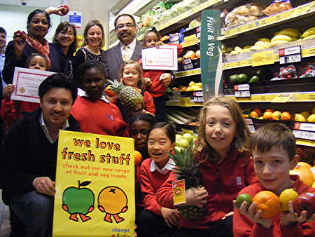 Costcutter teams up with Charles Dickens Primary School for healthy eating initiative