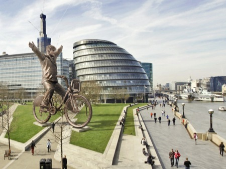 40 ft bronze Boris bike statue planned for Potters Fields Park