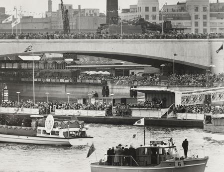 Thames pageant to celebrate Queen's Diamond Jubilee