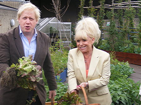 Boris Johnson and Barbara Windsor drop in on South Bank Big Lunch