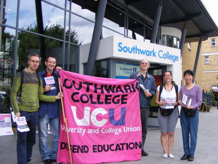 Public sector strike: march and picket lines in SE1