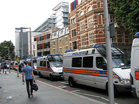 Tooley Street shut as English Defence League demo is dispersed from Tower Bridge