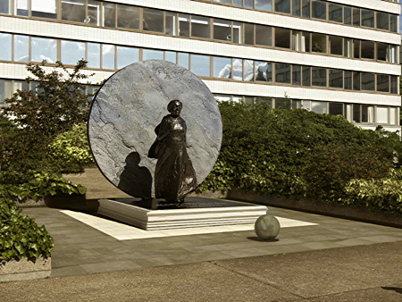 Latest designs for Mary Seacole memorial at St Thomas' Hospital