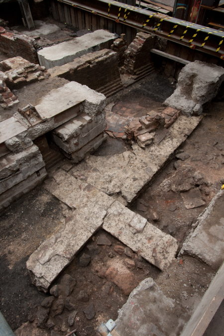 Remains of Roman bath house found on Borough High Street