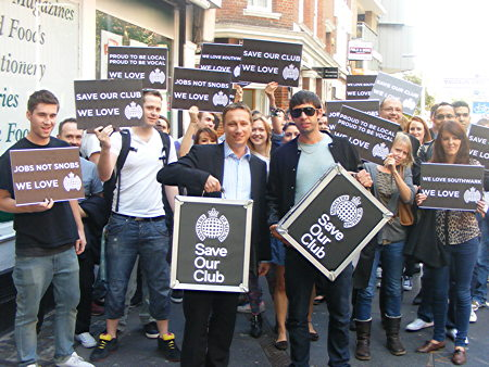 Ministry of Sound delivers 25,000-signature petition to Southwark Council