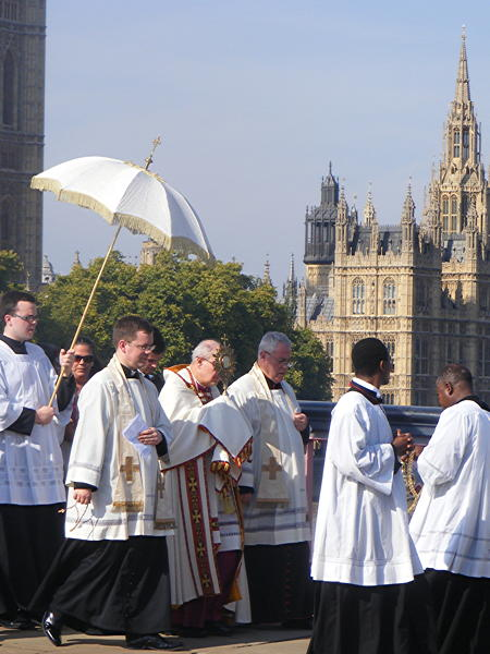 Catholics mark first anniversary of Pope's visit with Blessed Sacrament procession