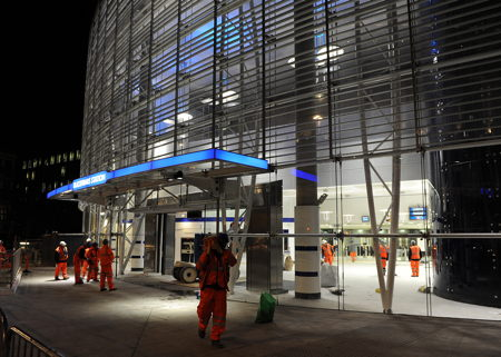 New Bankside link to tube as Blackfriars Underground Station reopens