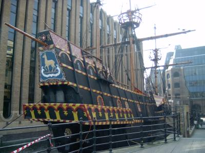 Firefighters save Golden Hinde as flood water fills dry dock