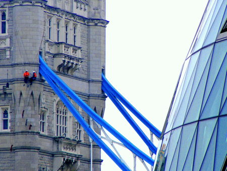 Abseilers fit highest LED lights at Tower Bridge