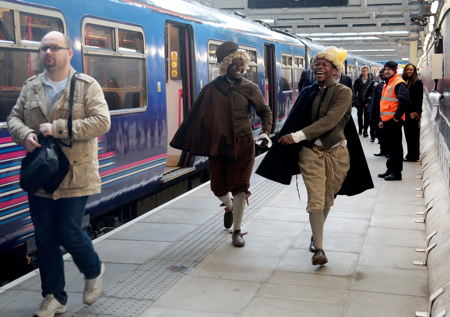 Blackfriars rail commuters greeted by entertainers