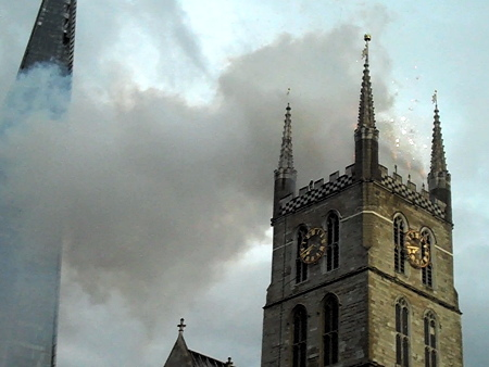 Great Fire of Southwark: fireworks from cathedral tower 800 years on