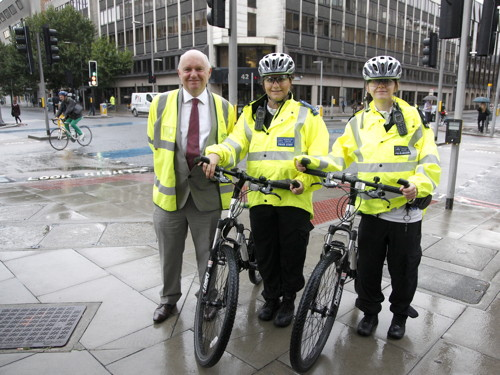 Crackdown on dangerous drivers and cyclists at key Southwark junction