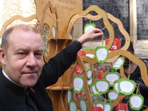 Mindapples tree appears in Southwark Cathedral churchyard