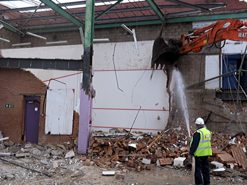 Elephant & Castle Leisure Centre: demolition under way