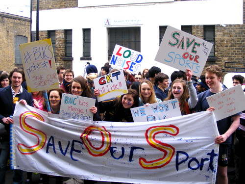 Medical students hold demo in King's Bench Street over sports row