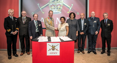 Mayor of Southwark signs community covenant with armed forces