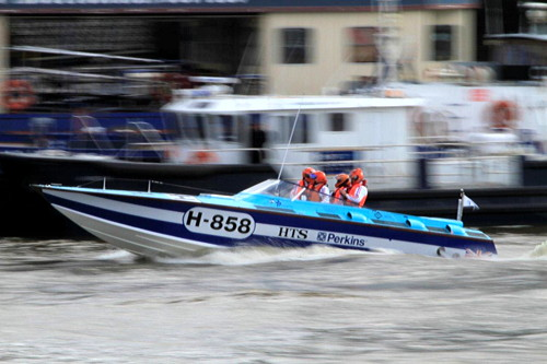 Powerboats leave Tower Bridge for offshore race